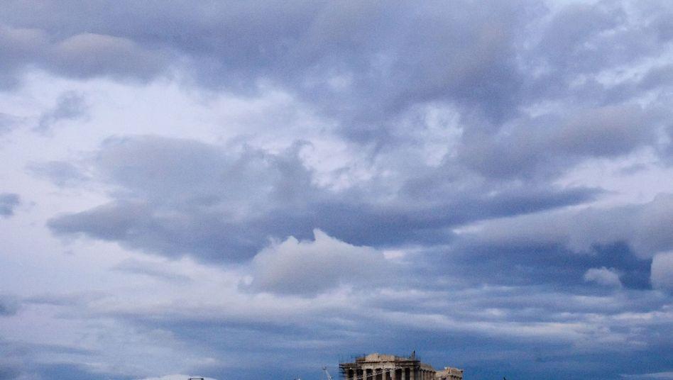 Dunkle Wolken: Griechenland ist noch längst nicht durch die Krise