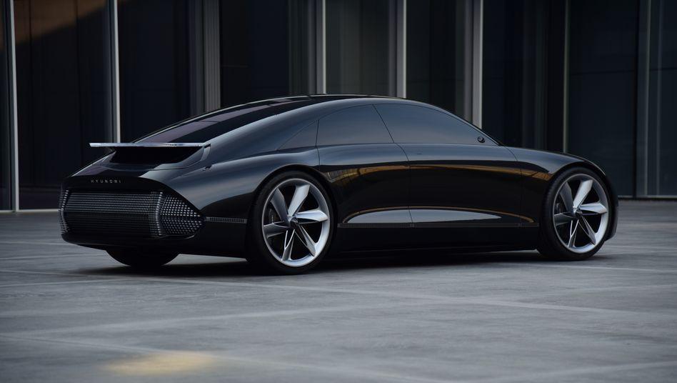 """Roboterauto in Planung: Der südkoreanische Autobauer Hyundai gab im März 2020 einen Ausblick auf seine elektrifizierte Zukunft - mit der Enthüllung des elektrisch angetriebenen Konzeptfahrzeugs """"Prophecy"""""""
