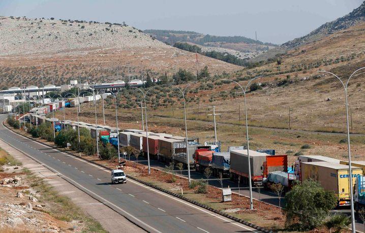 Türkische Lastwagen an der Grenze zu Syrien: Solche Staus drohen bald wieder in Europa