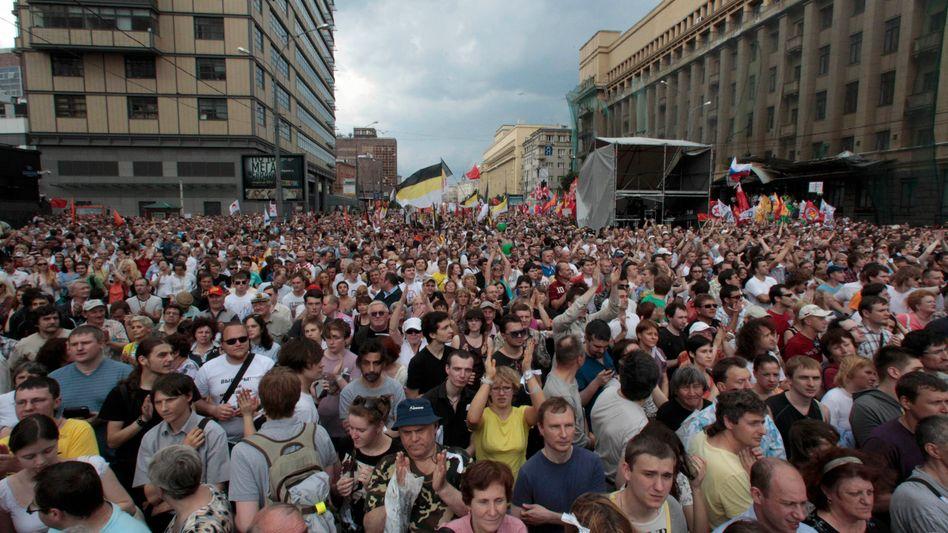 Protest in Moskau: Die Drohungen Putins verhallen