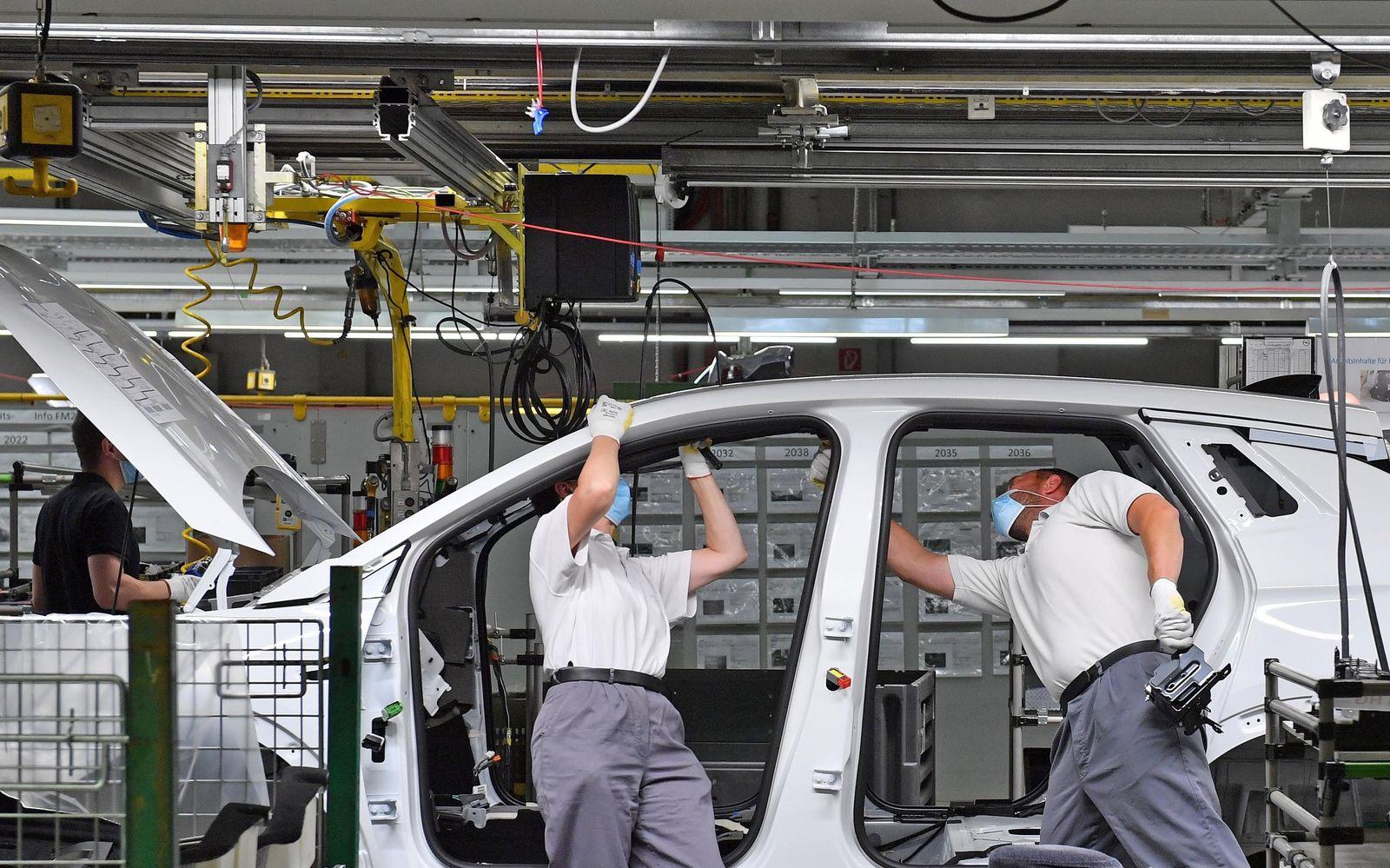 Arbeit im Opel-Werk