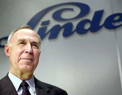 Linde-Chef Gerhard Full und seine Vorstandskollegen verdienten im Jahr 2001 insgesamt 7,99 Millionen Euro