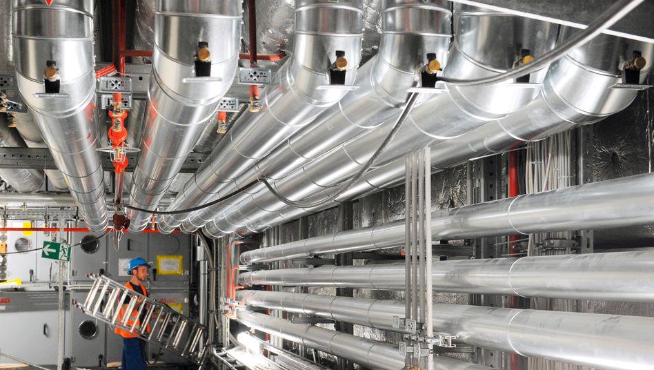 Haustechnik in Schönefeld: Die kilometerlange Entrauchungsanlage muss 3,4 Millionen Kubikmeter Luft pro Stunde absaugen können