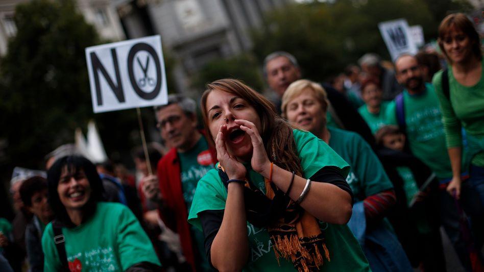 Massendemonstration in Madrid: Protest gegen Steuererhöhungen und Ausgabenkürzung