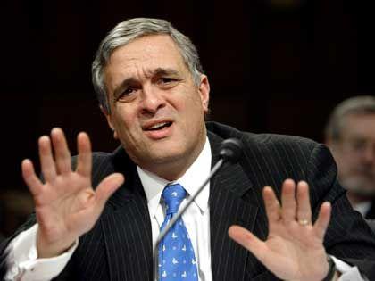 George Tenet: Ist er Bushs Sündenbock?