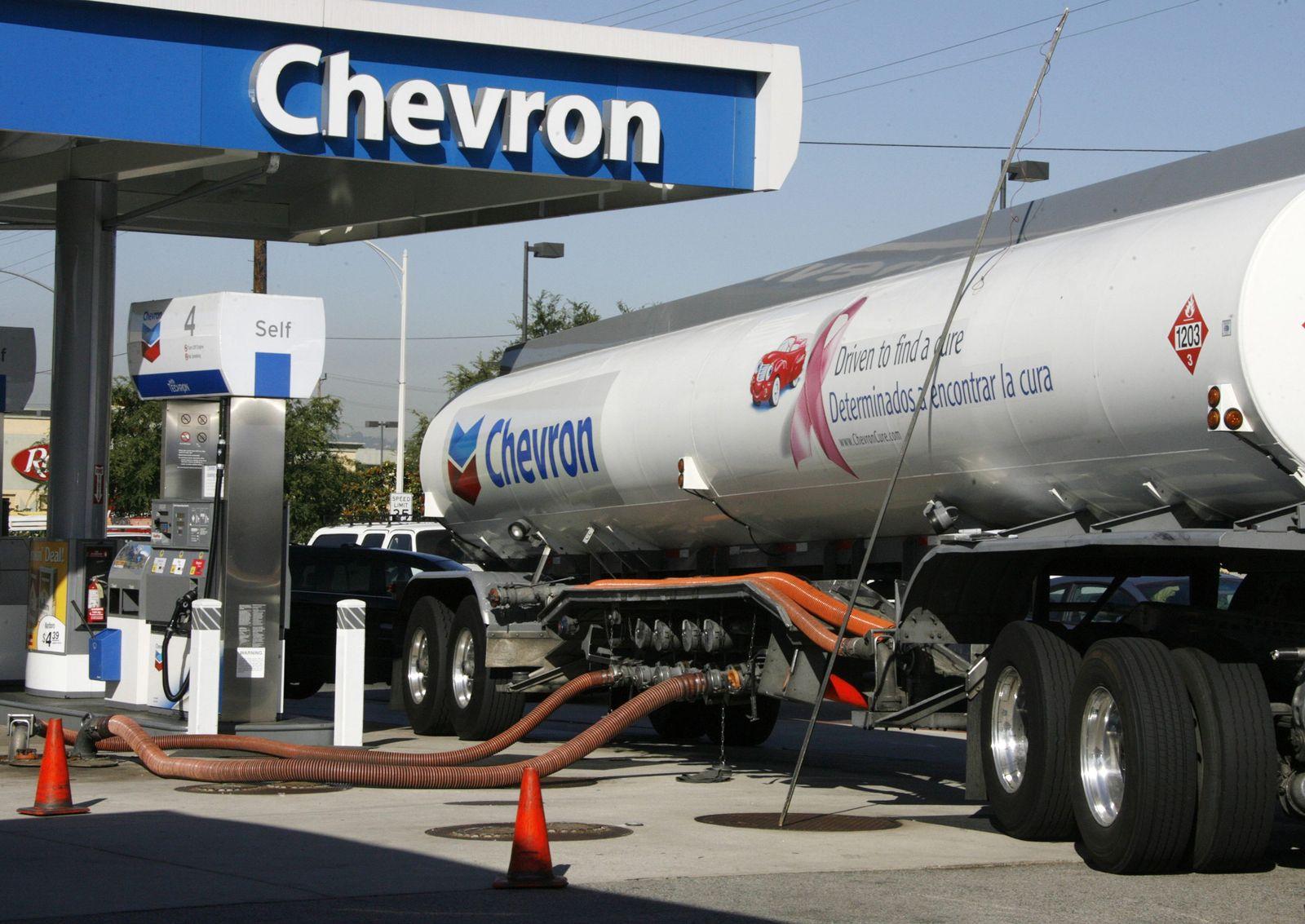 Chevron / Öl / Tankstelle / Tanklaster