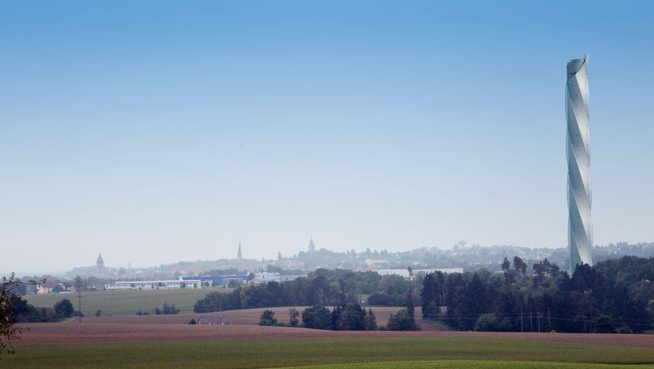 Hoch hinaus: Die Übernahme der Aufzugsparte von Thyssenkrupp war der größte Buyout in Deutschland 2020 (im Bild: Aufzug-Testturm in Rottweil)
