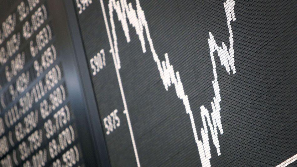 Auf und nieder: Gewinnmitnahmen haben den Dax zuletzt gedrückt. Doch der Index hält sich knapp unter 6900 Zählern und hat seit Jahresbeginn 16 Prozent zugelegt