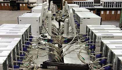 """Logistiklager von ADA: Hier wurden die PCs """"betankt"""""""