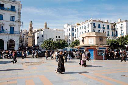 Stadtimpressionen: Der Platz der Märtyrer in Algier