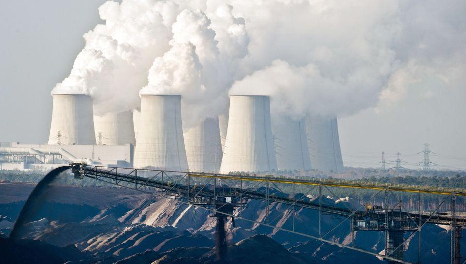 Braunkohleabbau in Ostdeutschland: Der Ausstoß von Kohlendioxid treibt den Klimawandel voran und soll daher vermieden werden.