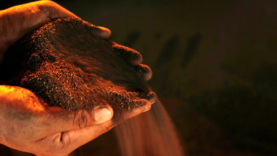 Begehrtes Metall: Nickelerz in einem Werk des Vale-Konzerns in Indonesien
