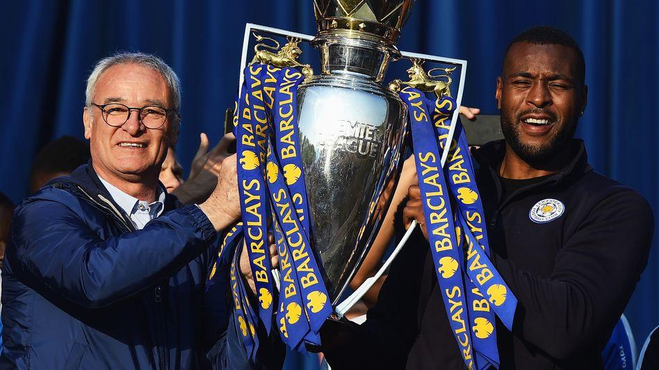 Leicester City-Manager Claudio Ranieri (li.), Kapitän Wes Morgan (re.) Mit Ehrlichkeit und Ernsthaftigkeit zum Premier-League-Sieg