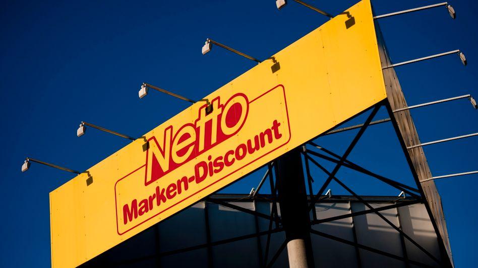 Netto-Logo in Halle: Konzern will mit Ermittlern kooperieren