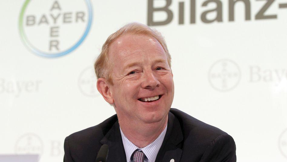 Kann mit dem operativen Geschäft zufrieden sein: Bayer-Chef Dekkers erhöht nach einem starken zweiten Quartal die Jahresprognose