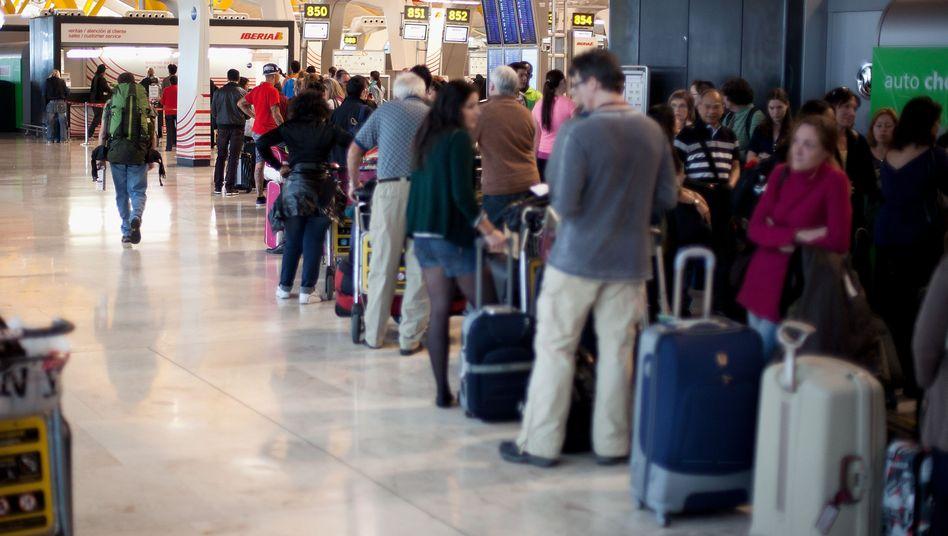 Iberia-Schalter in Madrid: Die Airline will 3800 von 20.000 Stellen streichen