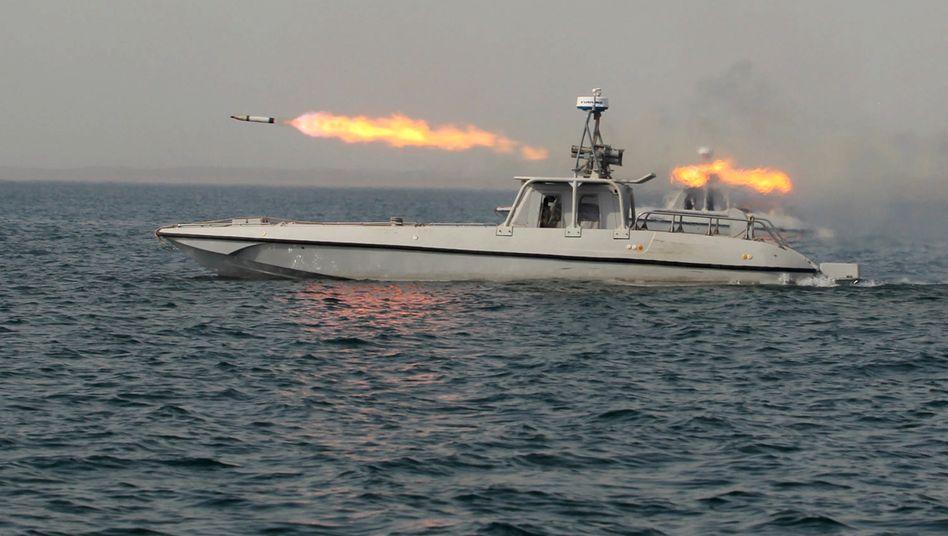 Seemanöver: Der Iran demonstriert in der Nähe der für die Ölversorgung wichtigen Straße von Hormus Stärke