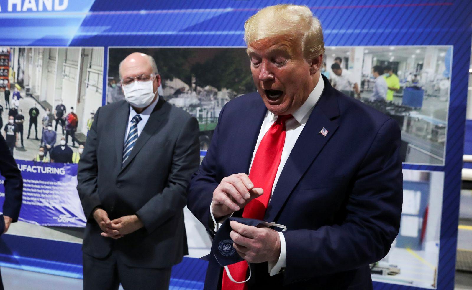 Donald Trump / Gesichtsmaske / Ford