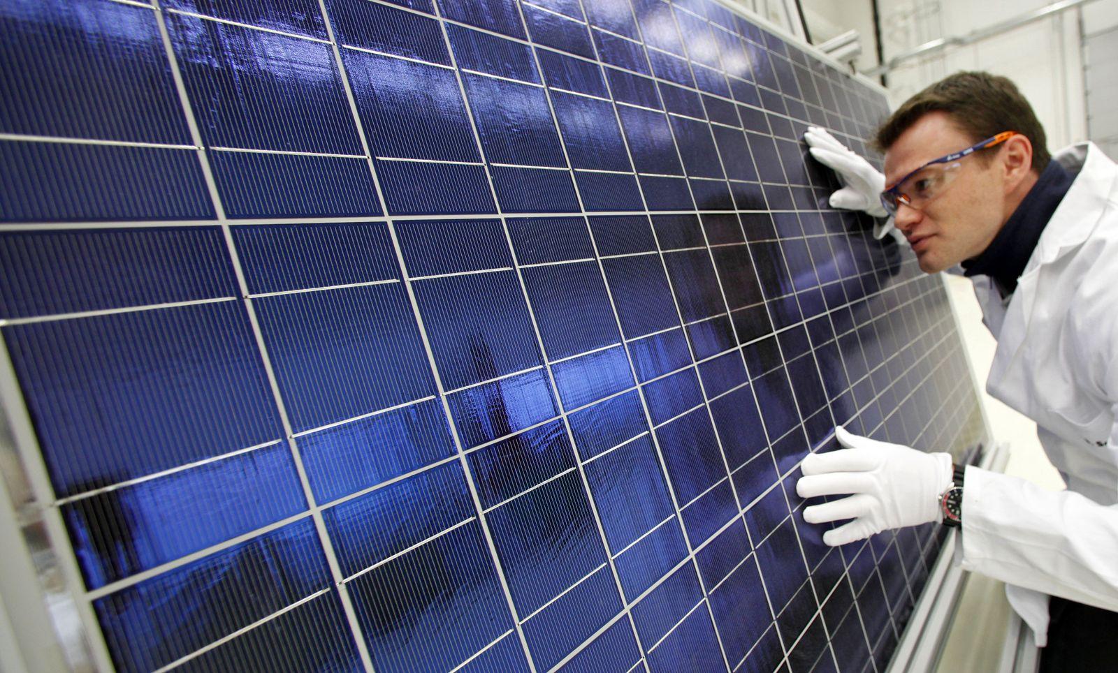 Fotovoltaik / Solarzelle / Fraunhofer Institut Halle