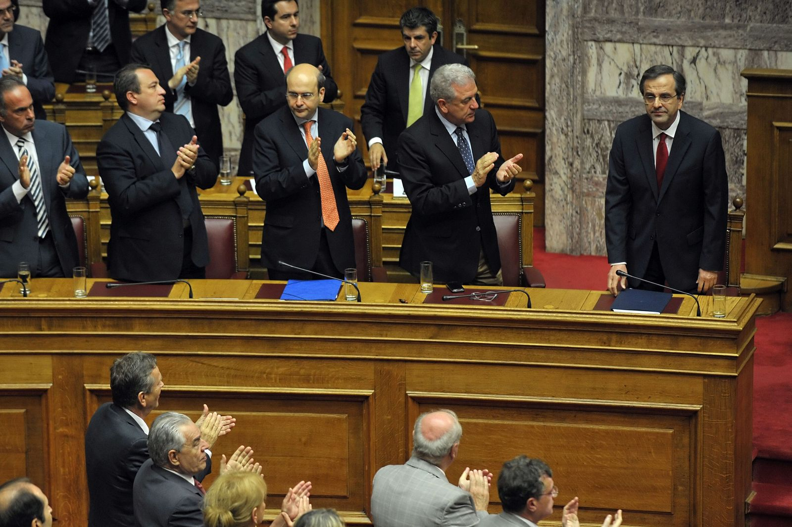 Samaras Griechenland GREECE-FINANCE-PUBLIC-DEBT-GOVERNMENT-VOTE