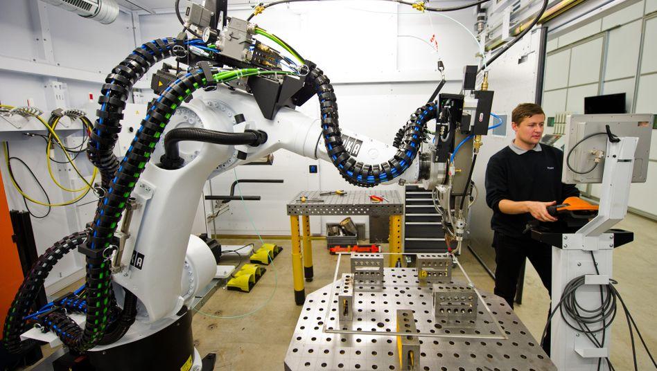 """Roboterzelle beim Maschinenbauer Trumpf: """"Das Thema digitaler Wandel ist im Mittelstand angekommen"""""""