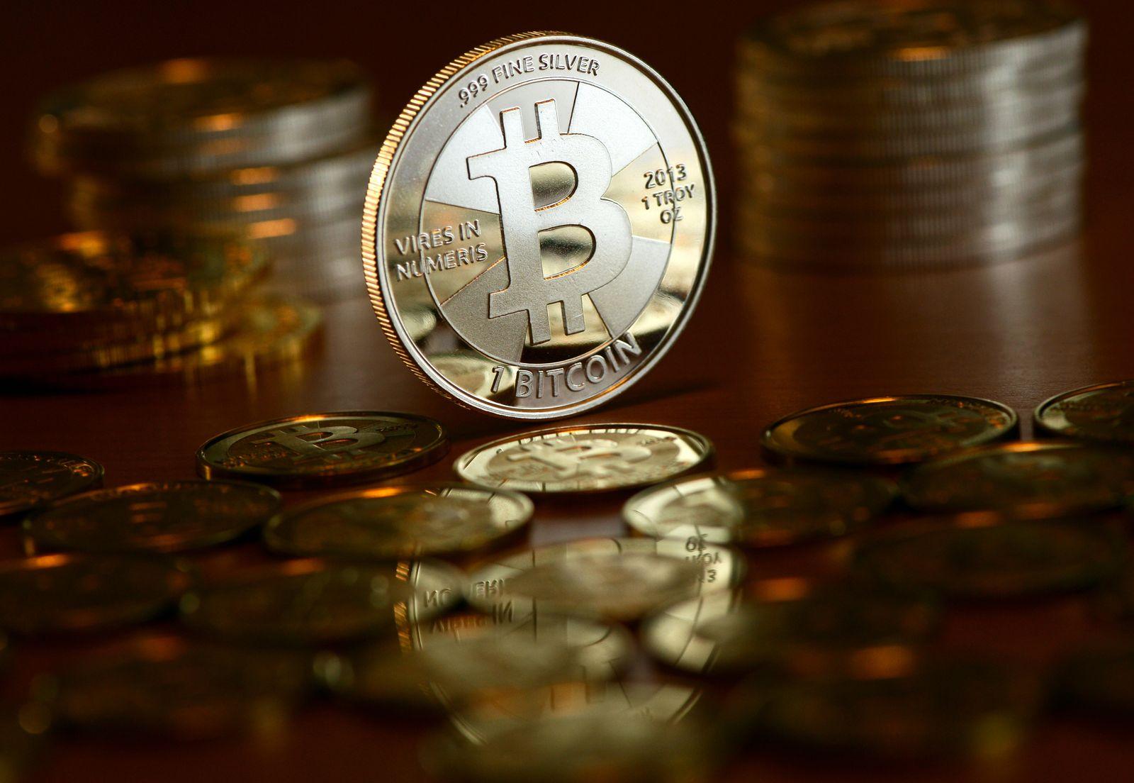 Bitcoin / Bitcoins