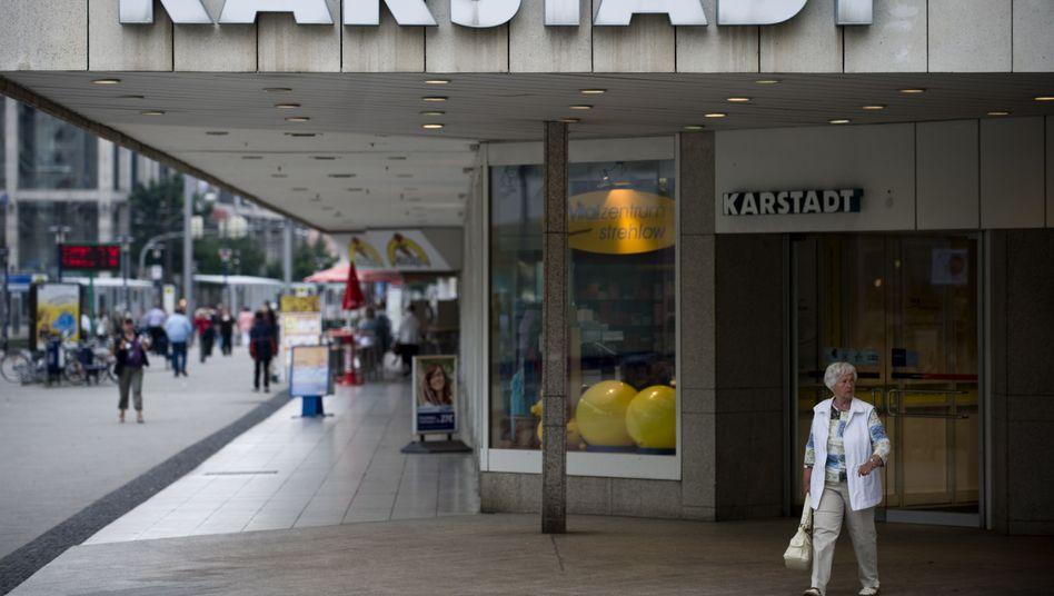 Im Schwebezustand: Karstadt-Zukunft weiter unsicher