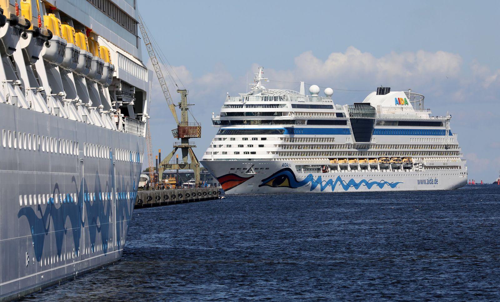 AIDA-Kreuzfahrtschiffe im Seehafen
