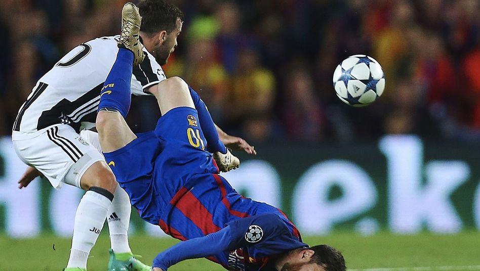 Autsch: Bruchlandung für ARD und ZDF. Messi und Co kicken in der Champions League künftig nur noch beim Bezahlsender Sky