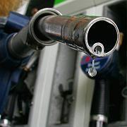 Billiger tanken: Während die Preise für Lebensmittel weiter steigen, drückt der Preisverfall bei Energie die Lebenshaltungskosten in den USA