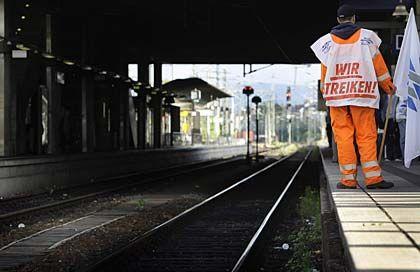 Noch keine Einigung: Mit dem neuen Angebot liegt die Bahn noch weit unter der Forderung der Arbeitnehmer