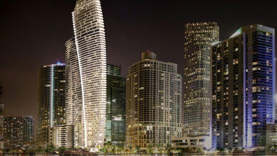 66 edle Stockwerke direkt am Wasser in Miami: Diesen Luxuswohnturm (erleuchtet) will Aston Martin gemeinsam mit Partnern bauen