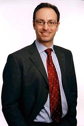 Dr. Stefan Röhrborn ist Fachanwalt für Arbeitsrecht in Düsseldorf