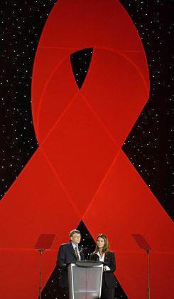Gates und die Krankheit: Bill und Melinda Gates auf einem Aids-Kongress
