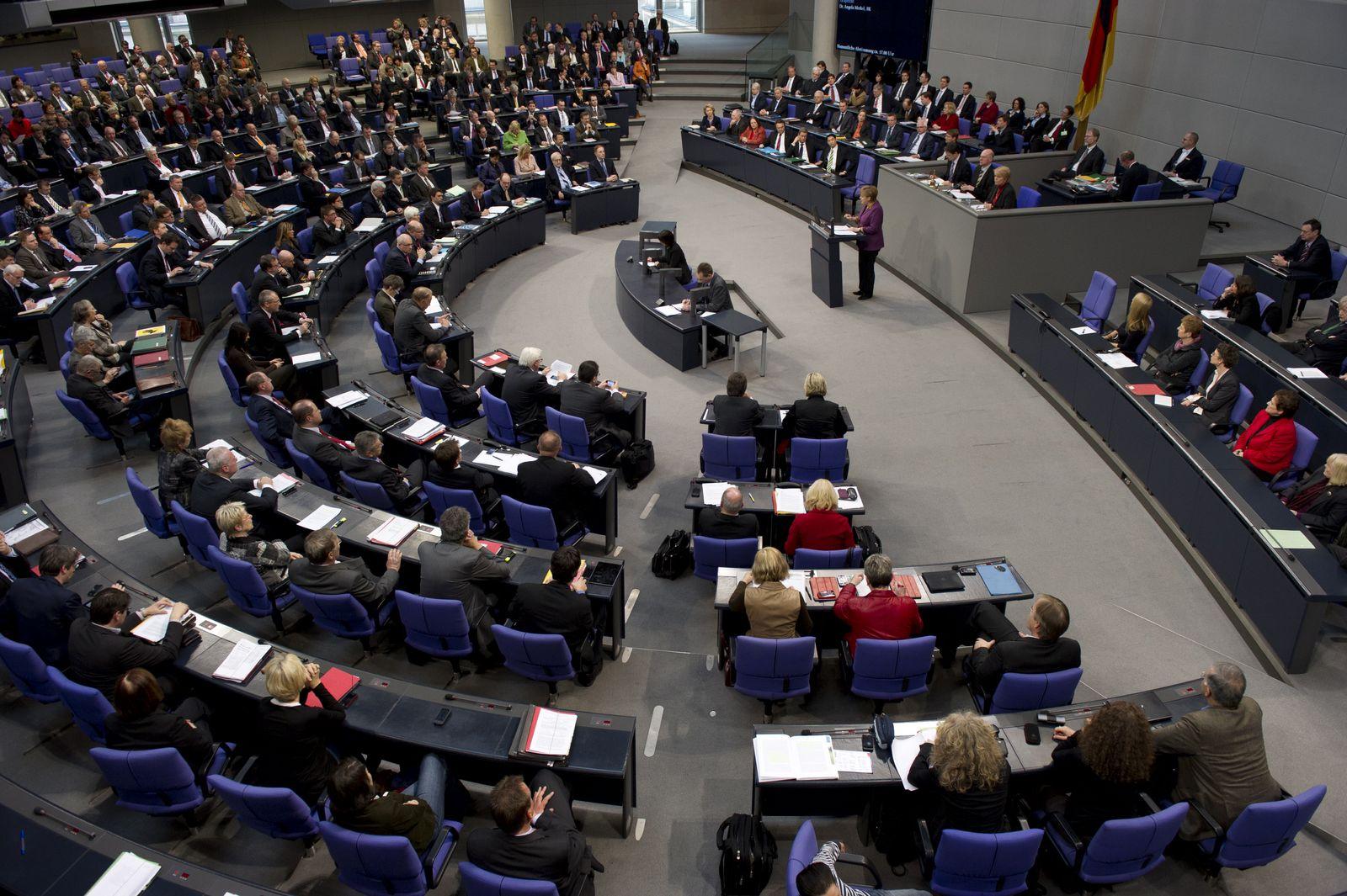 NICHT VERWENDEN Bundestag / Rettungspaket Griechenland / Plenum