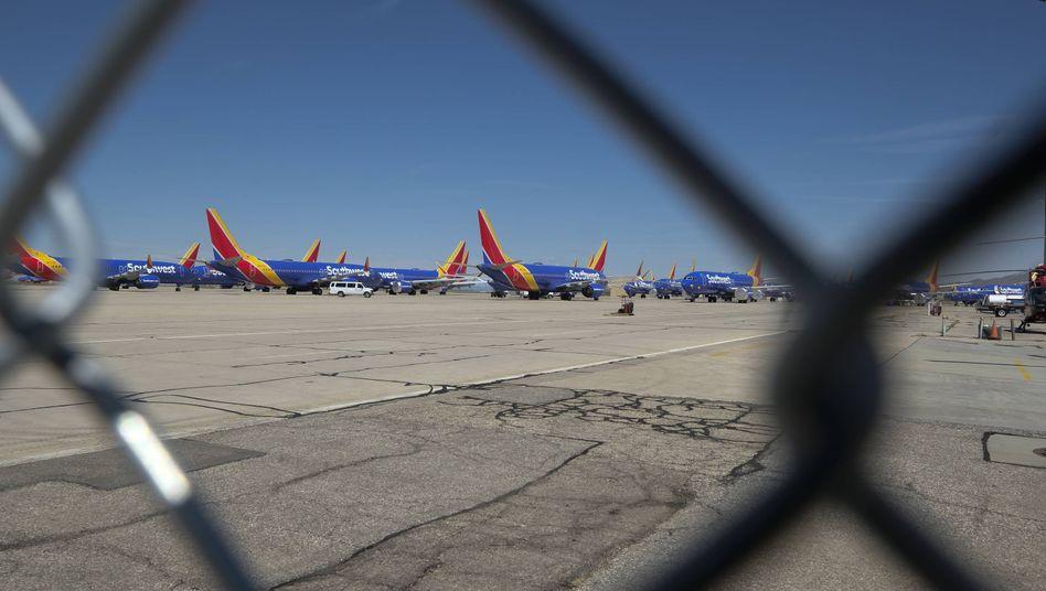 Systemrelevant? Der Boeing-Konzern, der unter seinem Skandalflieger 737 Max leidet, und Airlines dürfen mit Milliarden Steuergeldern rechnen.