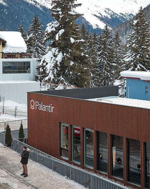 Hauptumschlagplatz: Der Palantir-Pavillon in Davos