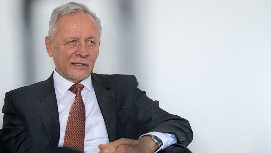 Prüfungen dauern an: Grenke-Gründer Wolfgang Grenke