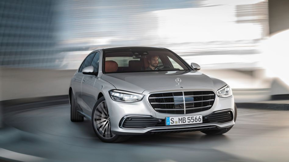 In Oberklassemodellen sind heute schon bis zu 5000 Halbleiterchips pro Fahrzeug im Einsatz, Tendenz steigend