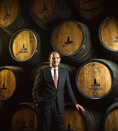 Der Nachfahr: George Sandeman trägt den gleichen Namen wie der Gründer des Hauses Sandeman, das 1790 von einem entschlossenen jungen Schotten aus Perth ins Leben gerufen wurde. Heute gehört das Unternehmen Sandeman zu Sogrape Vinhos, Portugals führendem familiengeführten Weinunternehmen. George Sandeman ist dort Vorstand für International Sales.