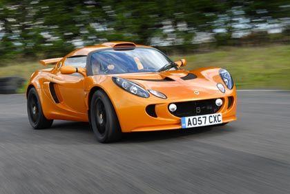 Wie ein Magnet auf der Eisenplatte: Der neue Lotus Exige S haftet am Asphalt