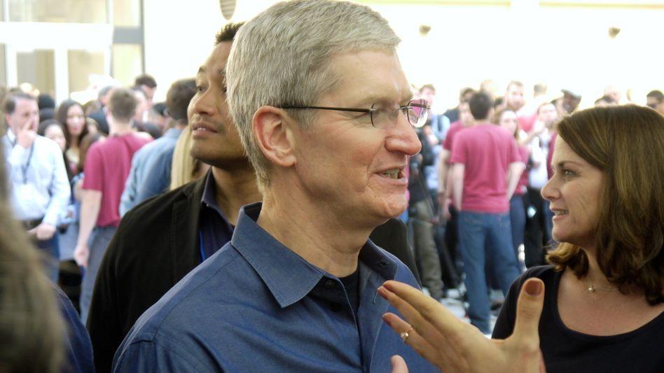 """""""Unser Geschäft beruht nicht darauf, Informationen über Sie zu haben"""" - sagt AppleTim Cook. Und funktioniert dann die neue iPhone-Bezahlfunktion ohne Daten? Was ist mit den von Kunden abgegebenen Fingerabddrücken?"""