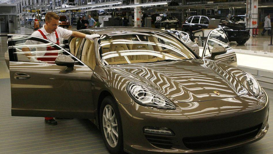 Porsche Panamera im Werk Leipzig: Das neue Modell ist ein Lichtblick - während der Klassiker 911 schwächelt