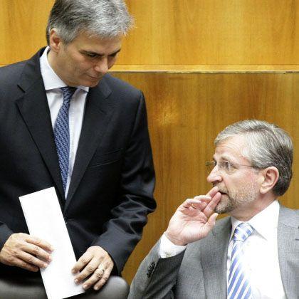 Einigung: Finanzminister Molterer (r.), im Gespräch mit Sozialdemokrat Werner Faymann