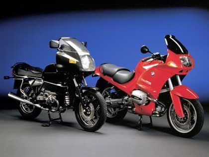 Es bleibt in der Familie: Beim Motorrad-Design bleibt im Lauf der Modellgeschichte vieles ähnlich, wie hier bei der R 100 RS von BMW
