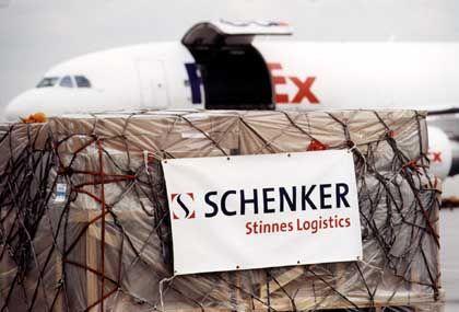 Gerangel in Übersee: Die Bahn will ihre von Stinnes erworbene Speditionstochter Schenker auf dem US-Markt stärken - der Wettbewerb mit der Post verschärft sich