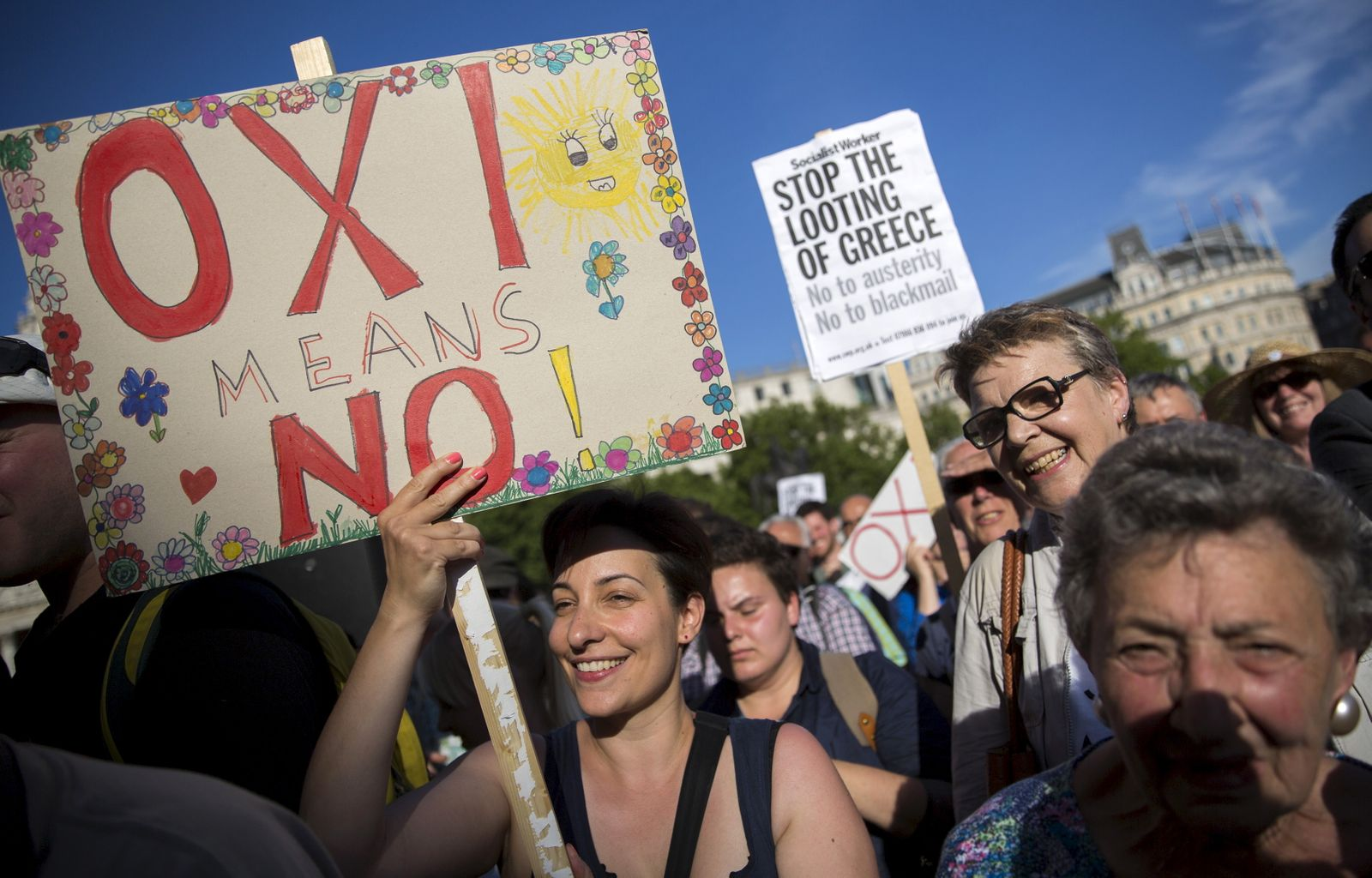 """Griechenland Protest; Banner """"oxi"""" no"""