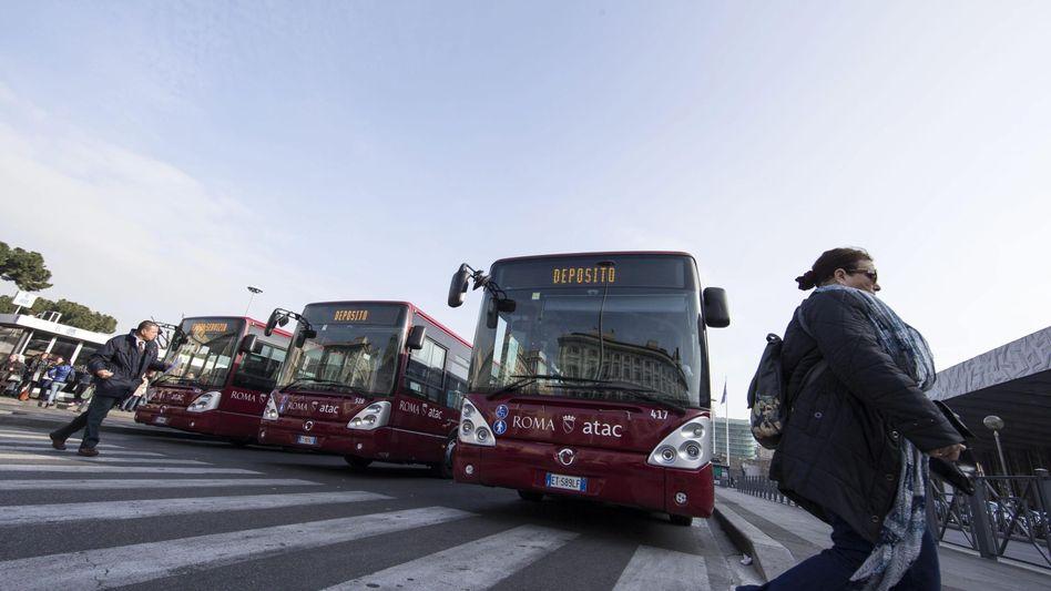 Schlimmer geht immer: Das römische Verkehrsunternehmen ATAC zeichnet sich durch minimale Sauberkeit, rekordverdächtige Unpünktlichkeit und Milliardenlöcher im Etat aus