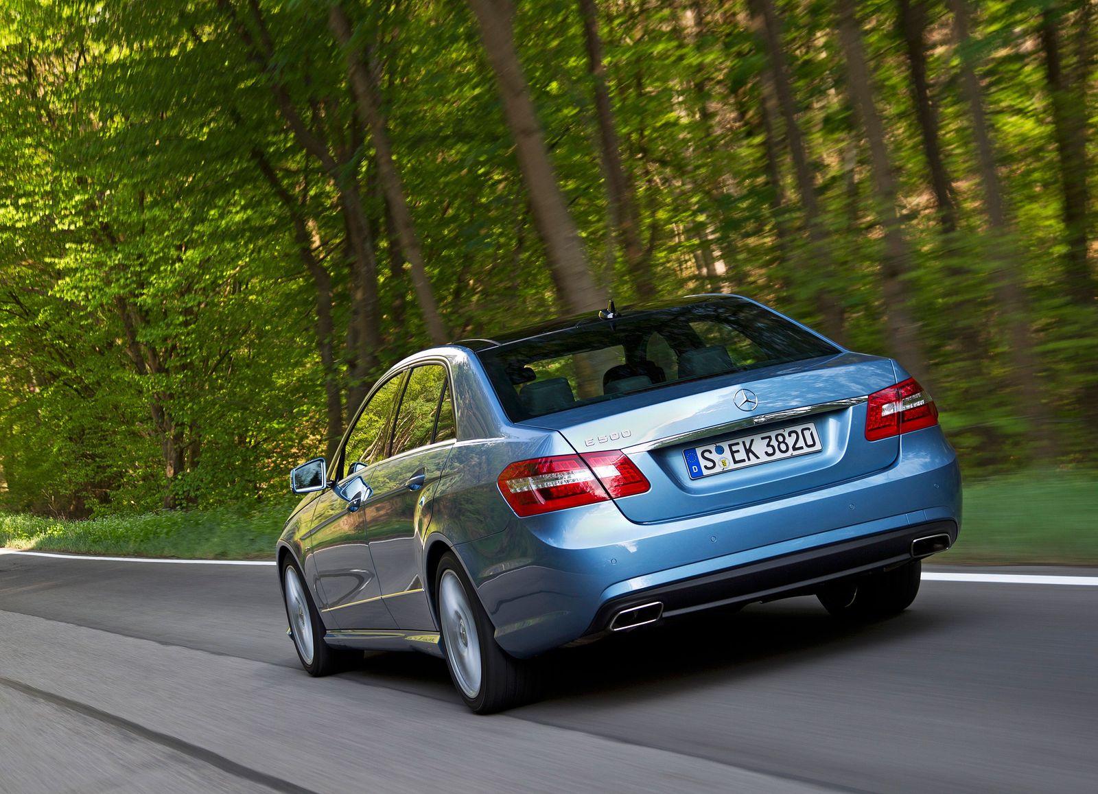 Mercedes E-Klasse / Kotflügel / hinten