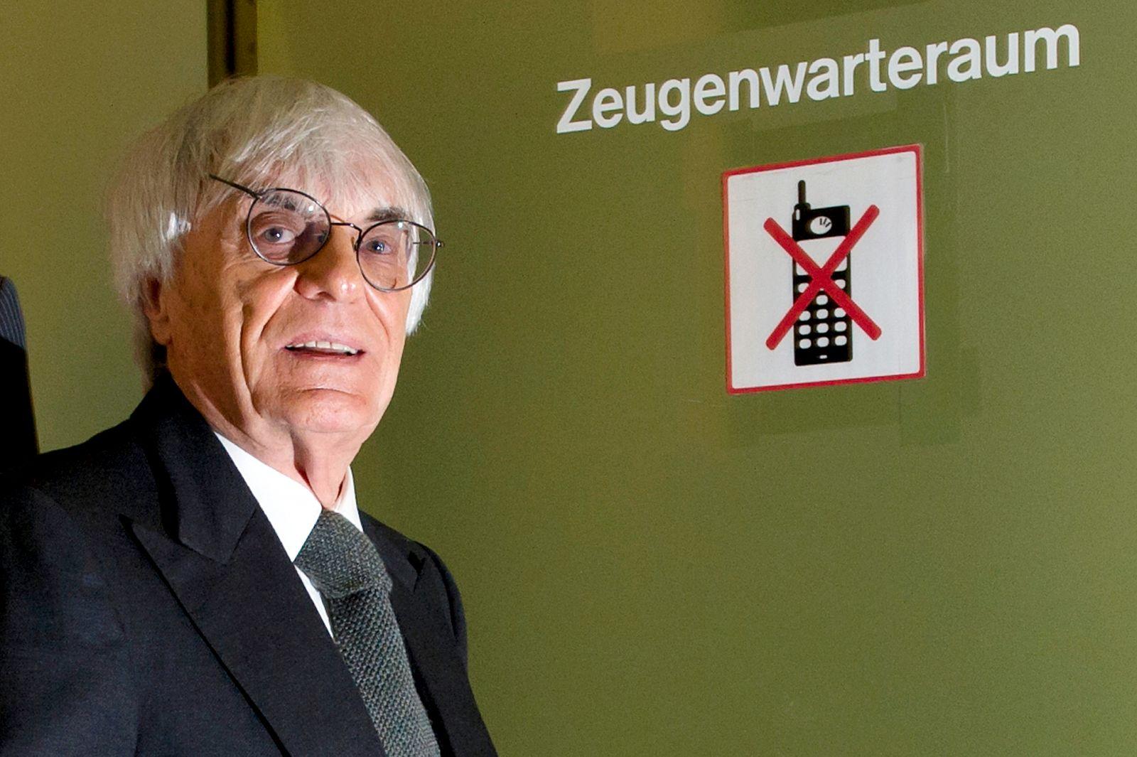 NICHT VERWENDEN Prozess / Bernhard Ecclestone / Zeugenwarteraum